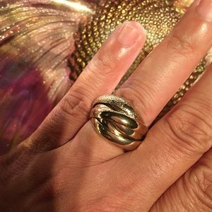 Gold twisted fashion ring